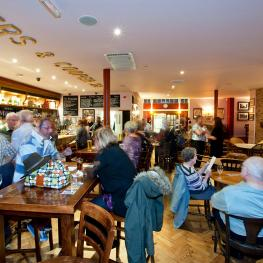 Happy Customers at the Lock and Barrel Frinton-on-Sea 5
